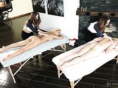 mamie masturbation massage entre femme